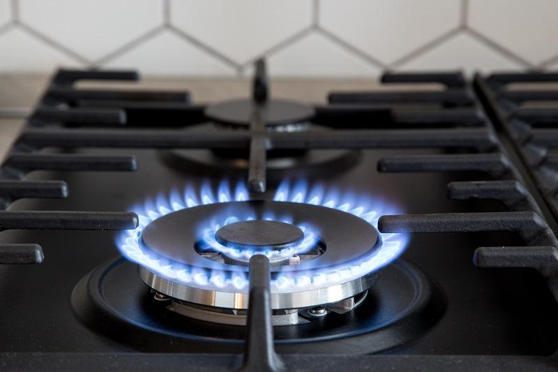 Existuje ideální plyn?