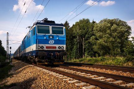 elektricka-stridava-lokomotiva