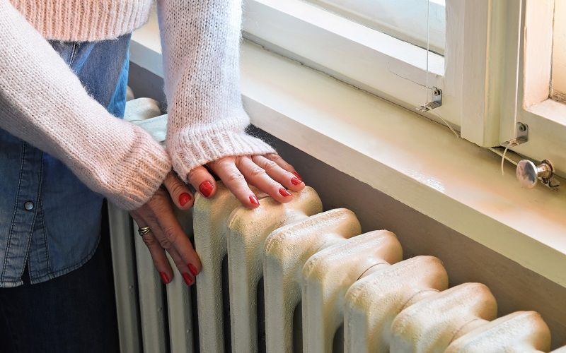 ruce-na-topeni